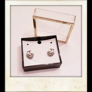 🎨👼🏽🆕️ Beautiful Flower Post Earrings